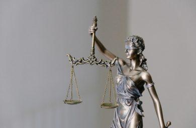 Statuette incarnant la justice